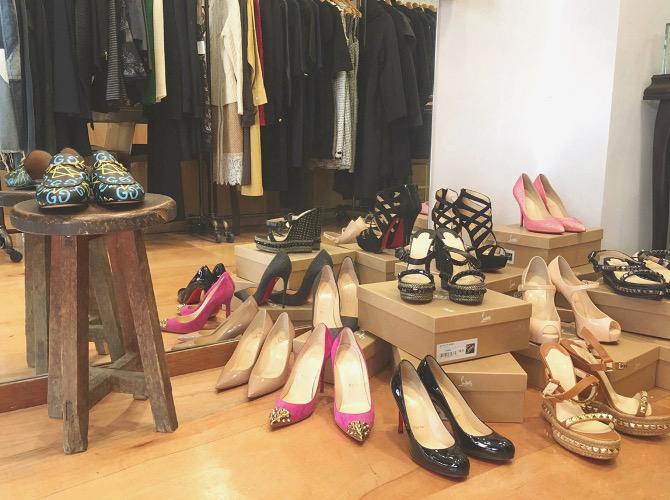 ストックラボ 麻布十番店 靴ディスプレイ