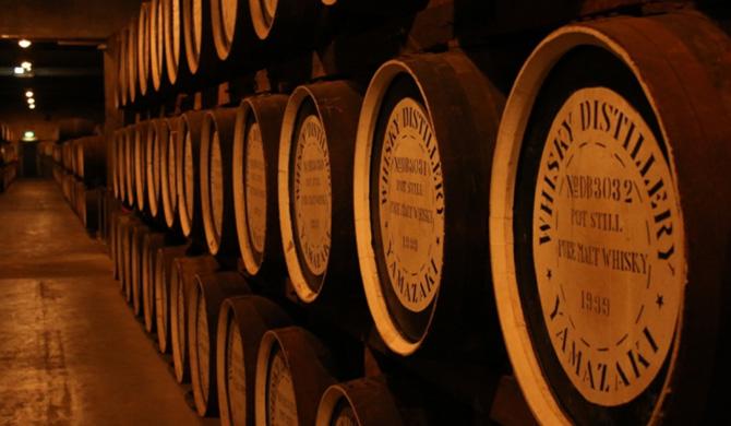 山崎ウイスキーの樽