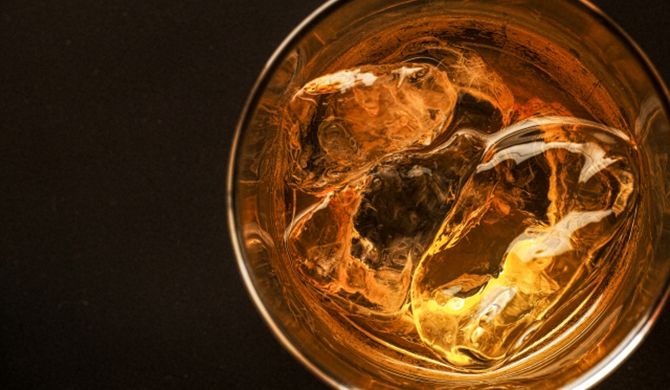高級ウイスキー買取】山崎 35年はいくらで売れる? - SAKEURU BY STOCK LAB